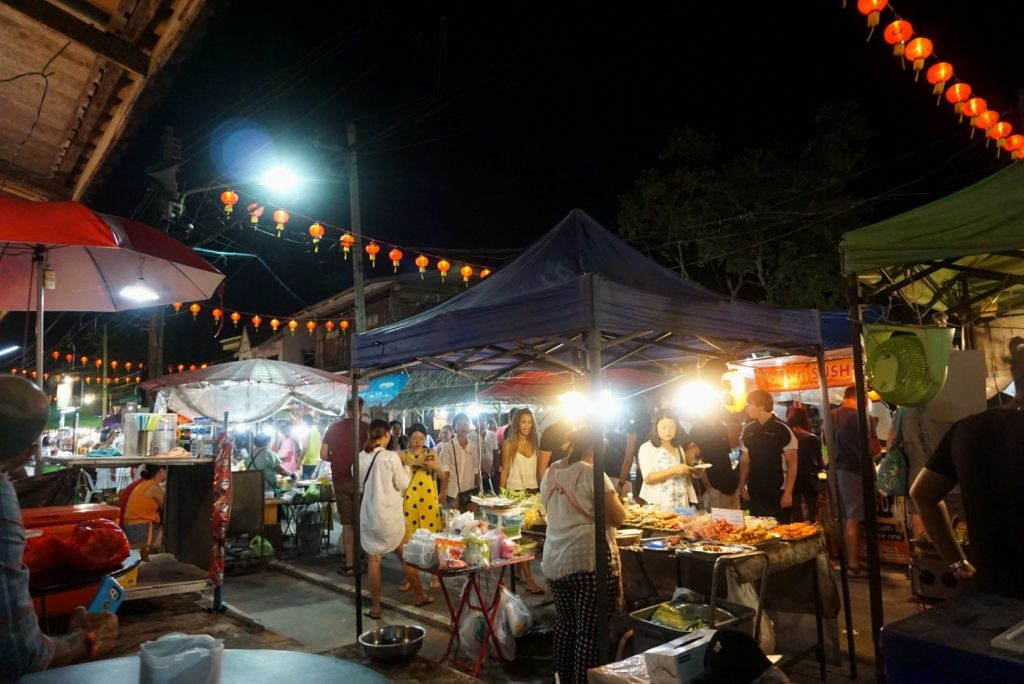 Sunday night in the laid-back town of Lamai