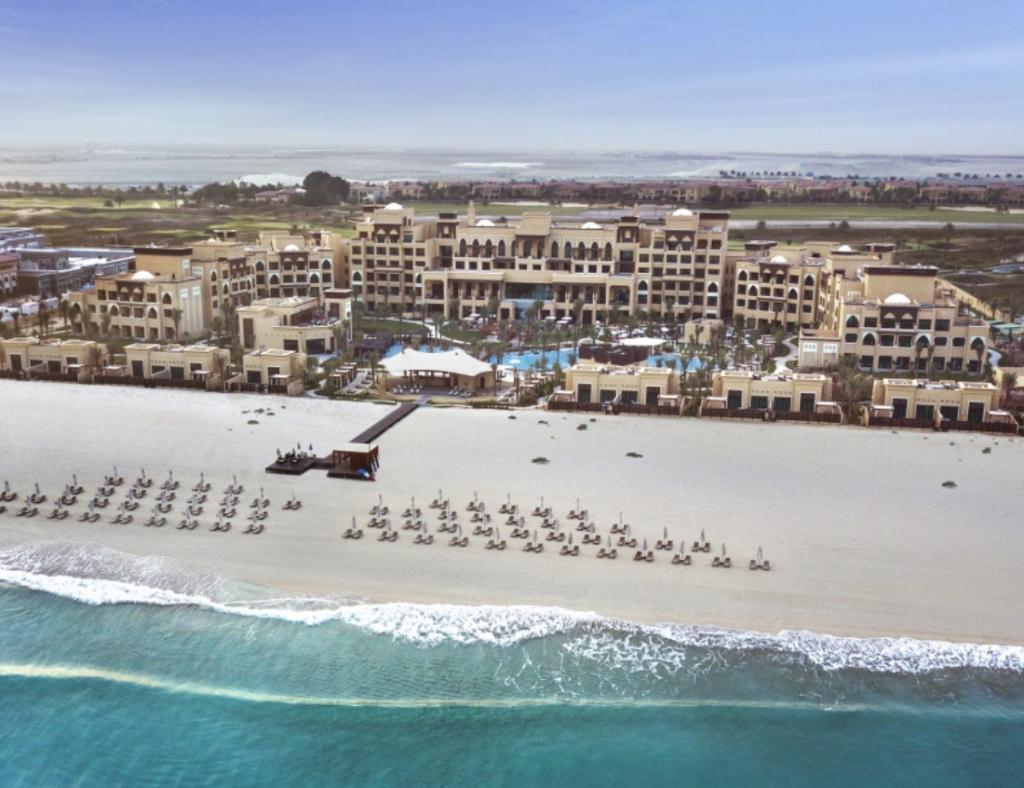 white sands of Saadiyat Beach