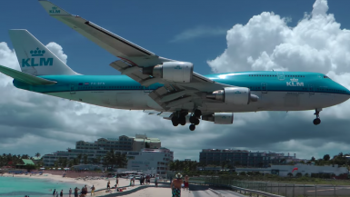 St Martin Airport landing
