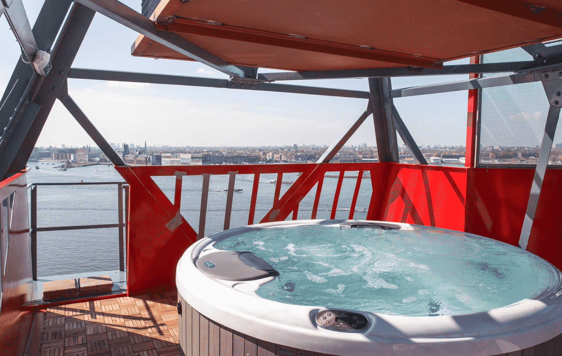 Amsterdam rooftop jacuzzi