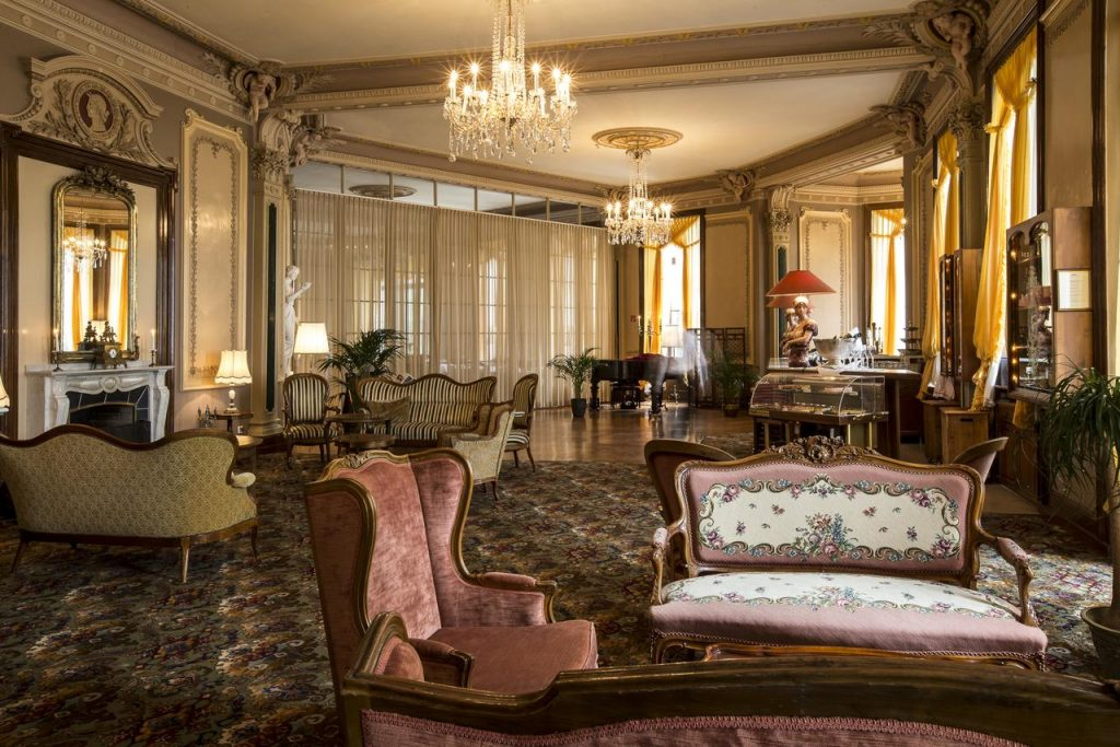 The Grand hotel Living Area
