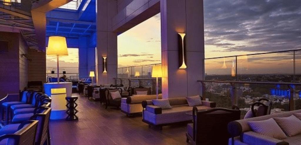 Hype rooftop bar at the swish Shangri-La Hotel