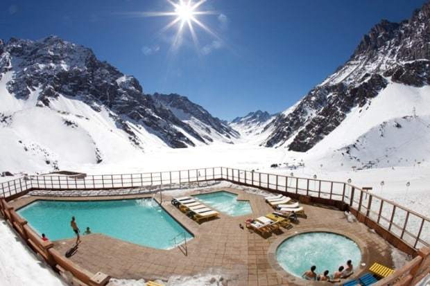 The outdoor hot tubs in Hotel Portillo