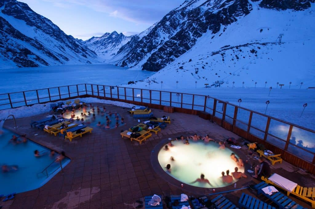 Outdoor pool and hot tub in Hotel Portillo