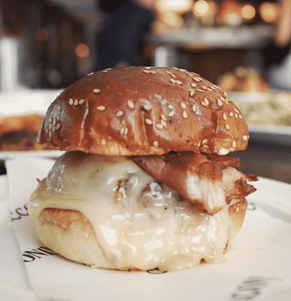 Cecconi's Cheeseburger