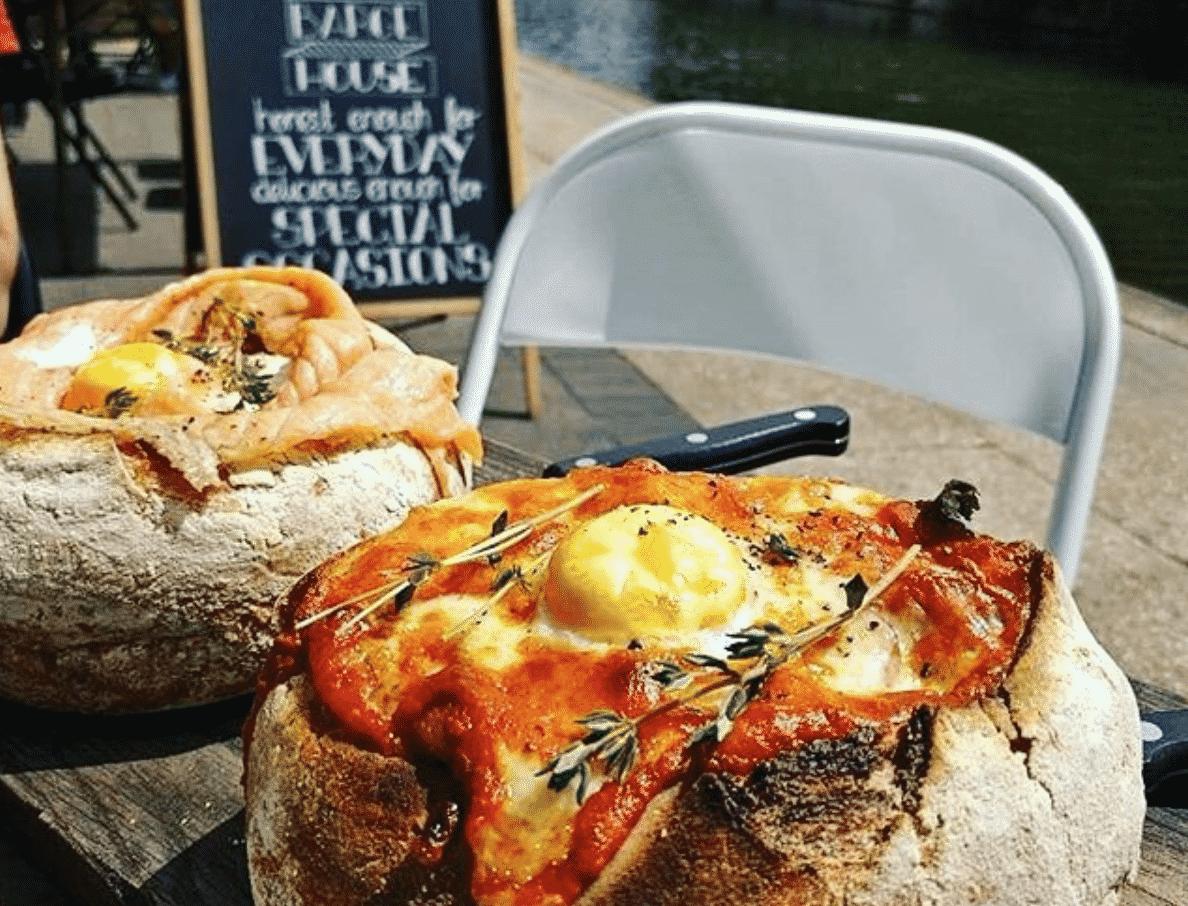 Breakfast In Bread In London