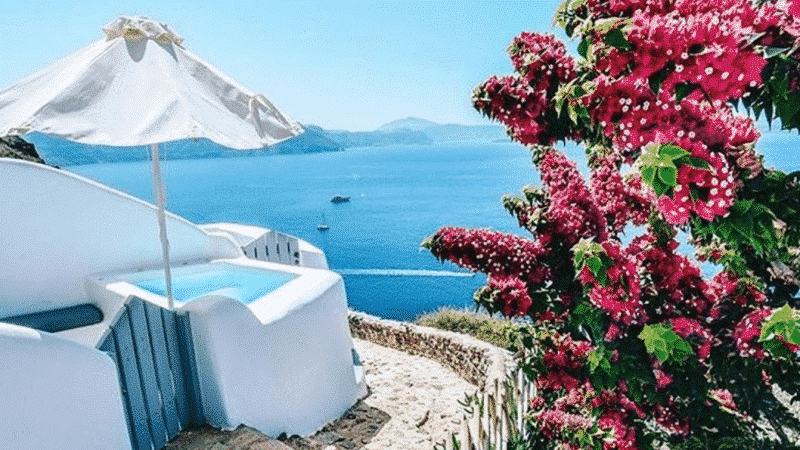 7 Best Instagrammable Spots In Santorini