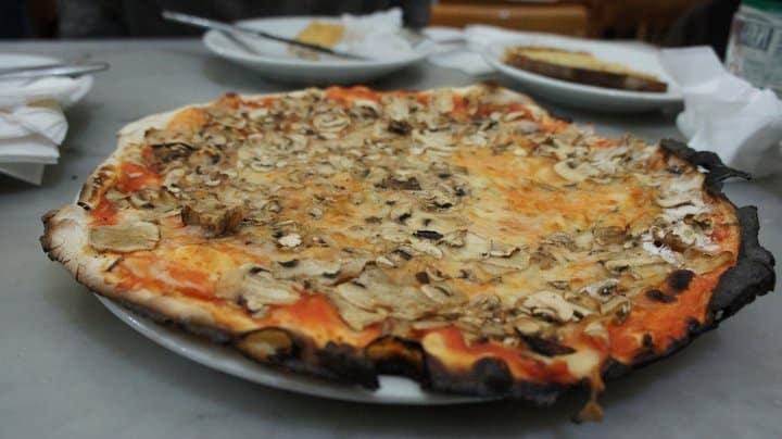 Ai Marmi Pizzas In Rome