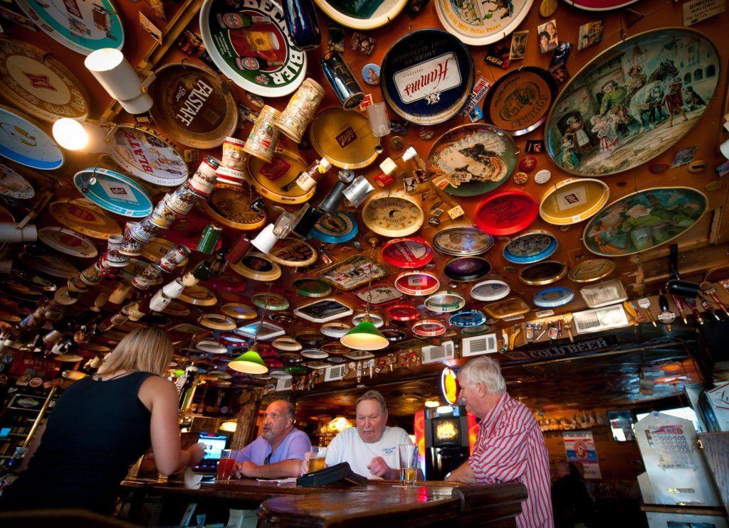 The Homy Inn Dive Bar in America