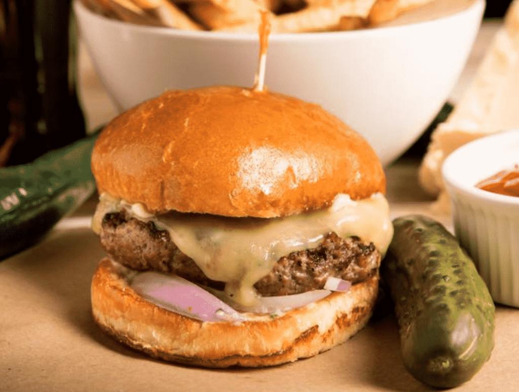 Muss & Turner's Hamburger
