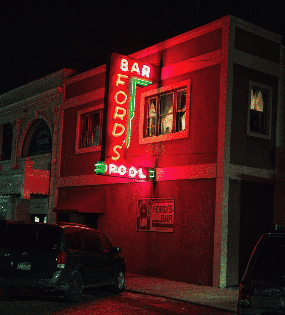 Ford's Dive Bar in America
