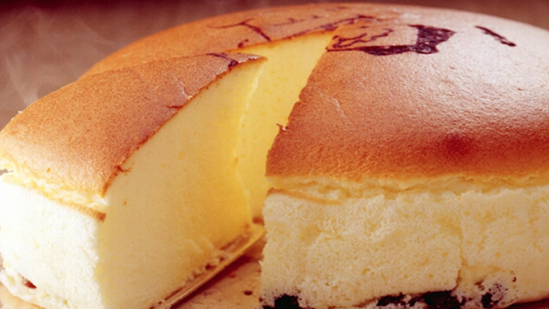 The World's Lightest Cheesecake