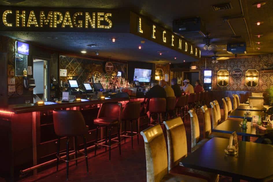 Champagnes Café Bar in LA