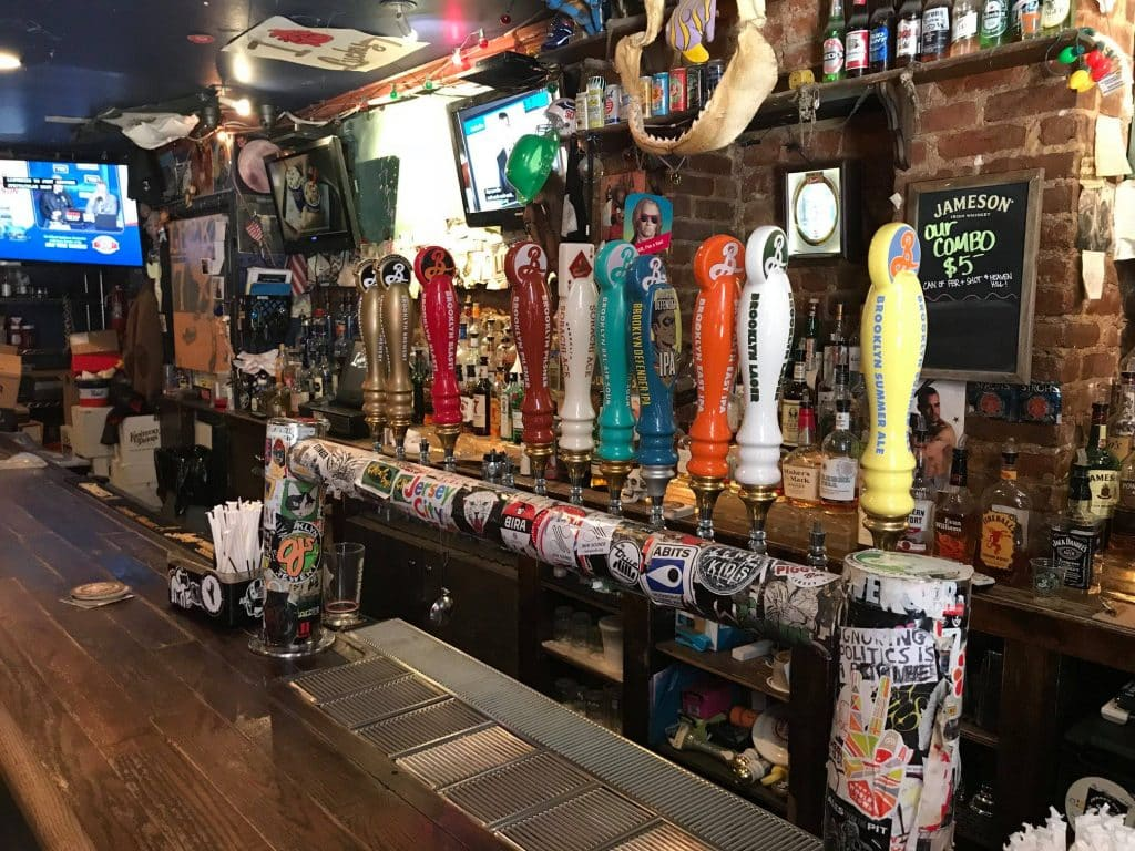Lucky 7 Tavern Dive Bar in New Jersey
