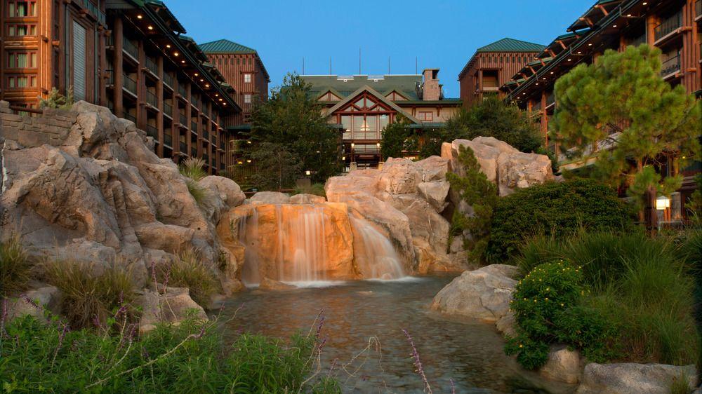 Wilderness Lodge Resort in Disney Park