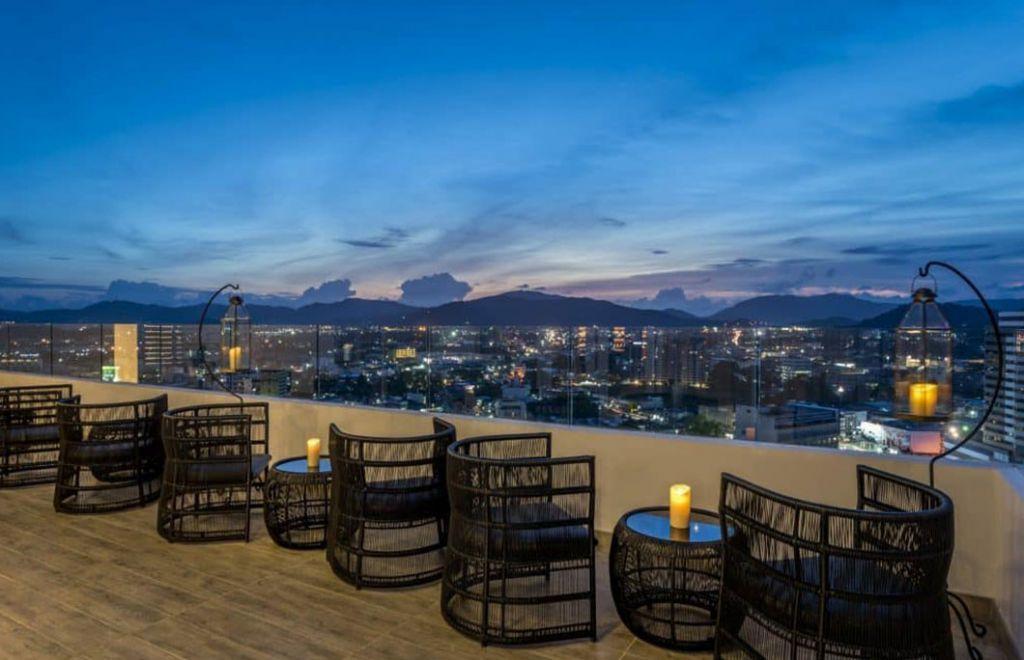 Estrela Rooftop Bar