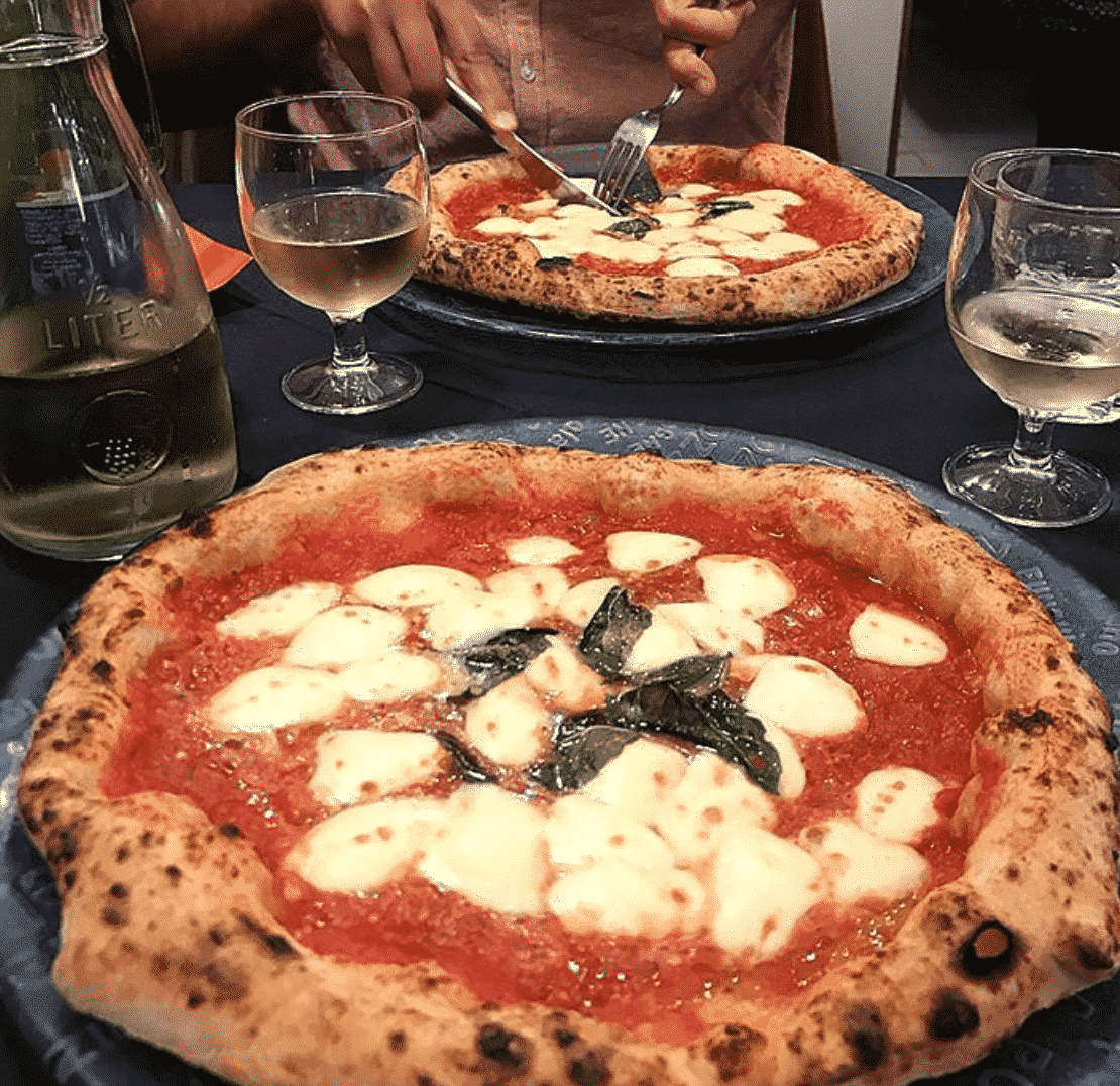 Starita Pizza In Naples