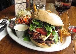Chez Lucien Hamburger in Ottawa