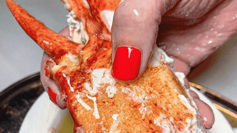 Giant Buttered Lobster Claws