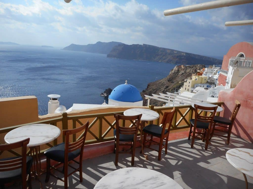 best coffee shops in Santorini greece