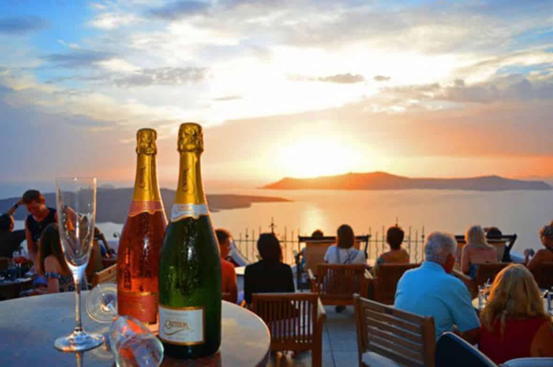 7 Of The Best Bars In Santorini