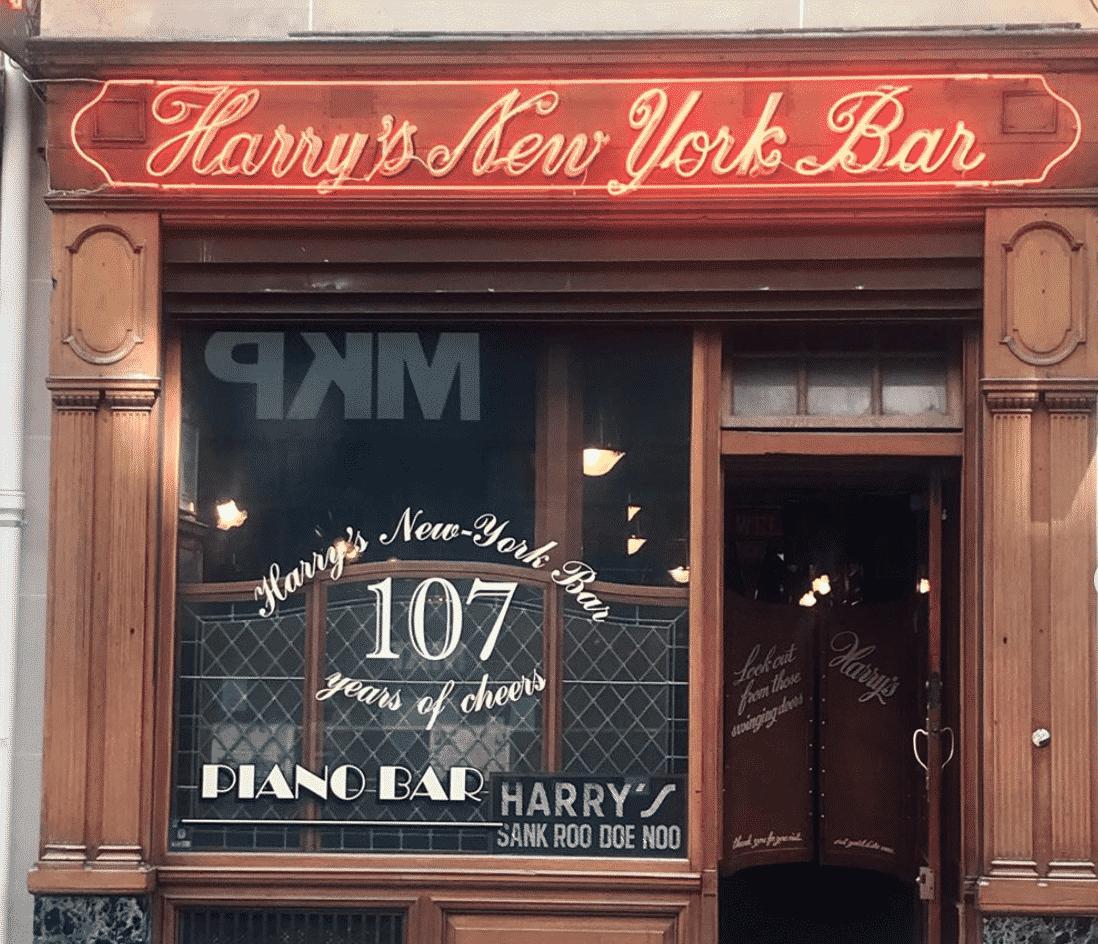 Instagrammable Bar in Paris