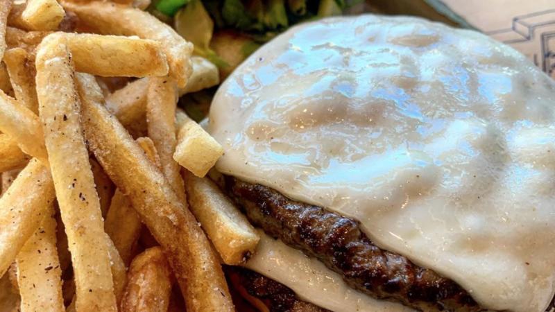 best burgers in st. petersburg