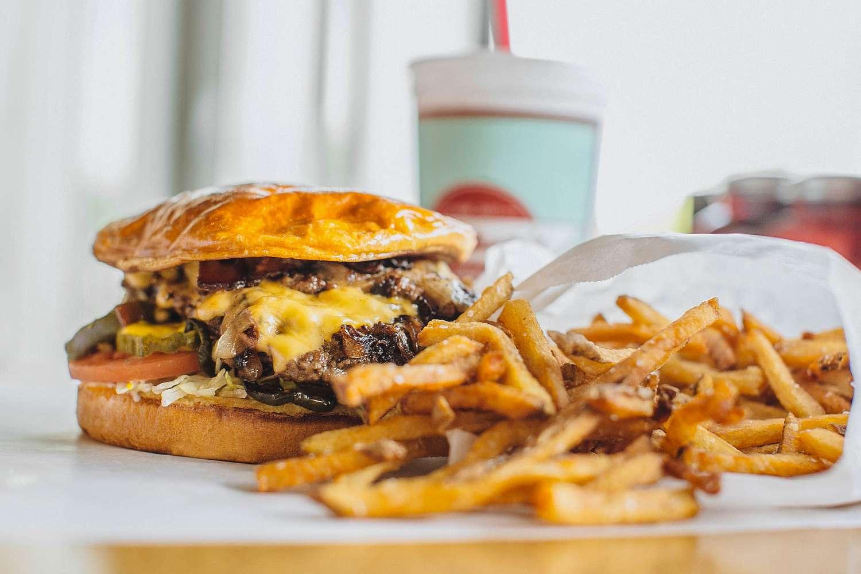 best burgers Phnom Penh