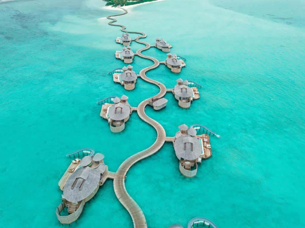 overwater maldives resorts