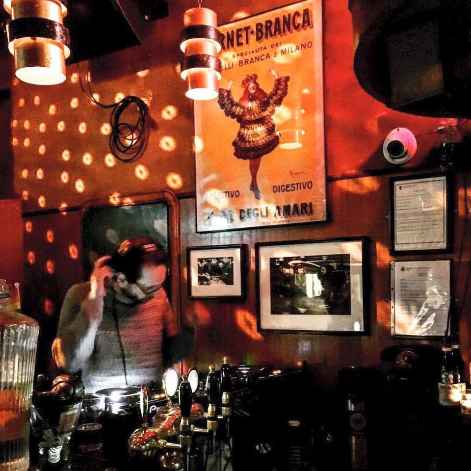 best dive bars