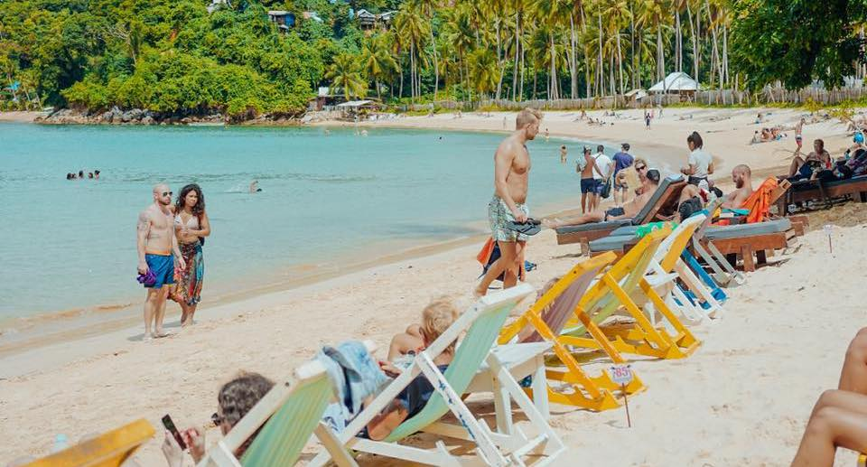 Where Are The Best Beach Bars in El Nido