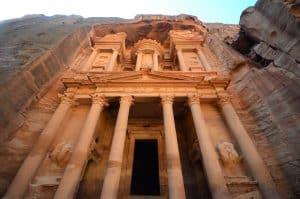 Jordan reopening borders tourists