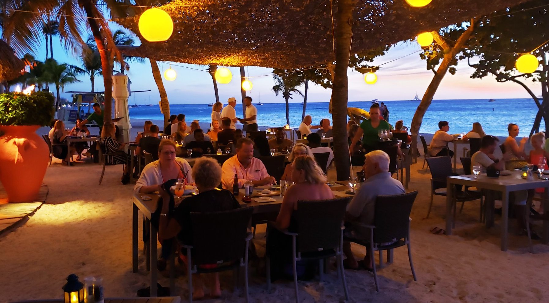 Best Beach Bars in Aruba