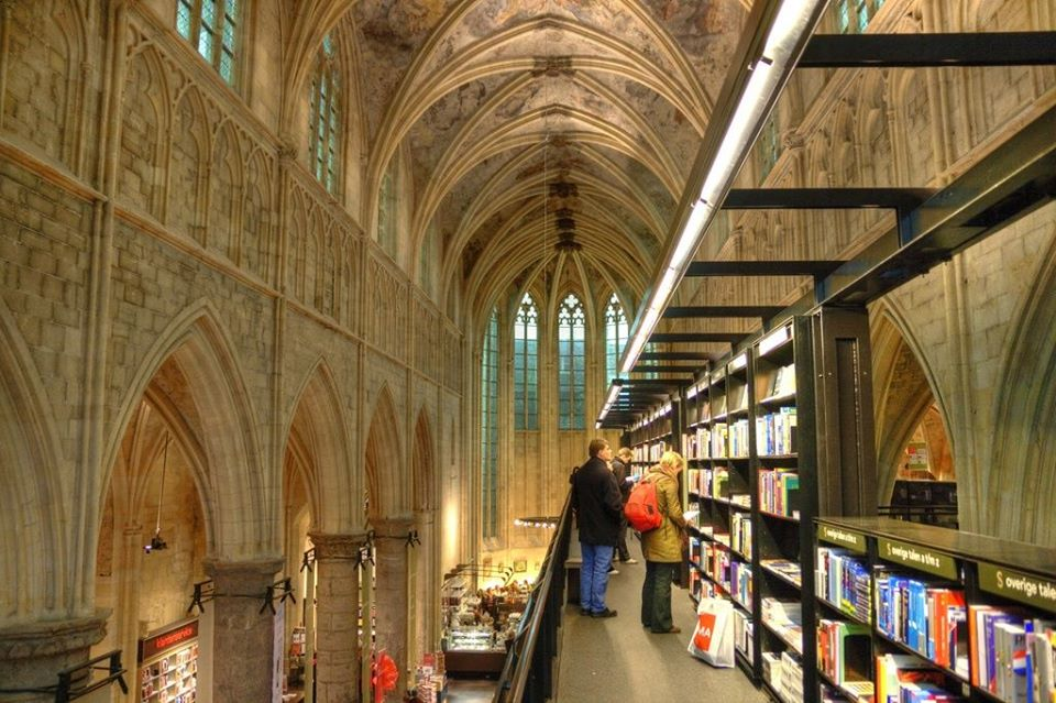 beautiful bookstores europe