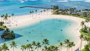 can Americans travel to Hawaii