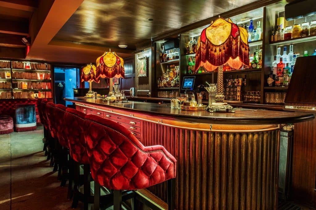 Romantic Things to do New York Speakeasy Bar