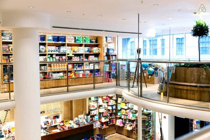 Best Bookshops in London Waterstones Piccadilly