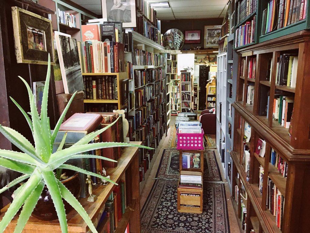 Best bookstores in Nashville Rhino Books