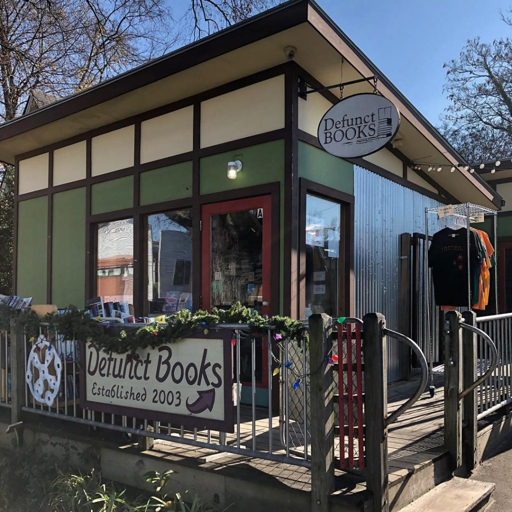 Best bookstores in Nashville Defunct Books